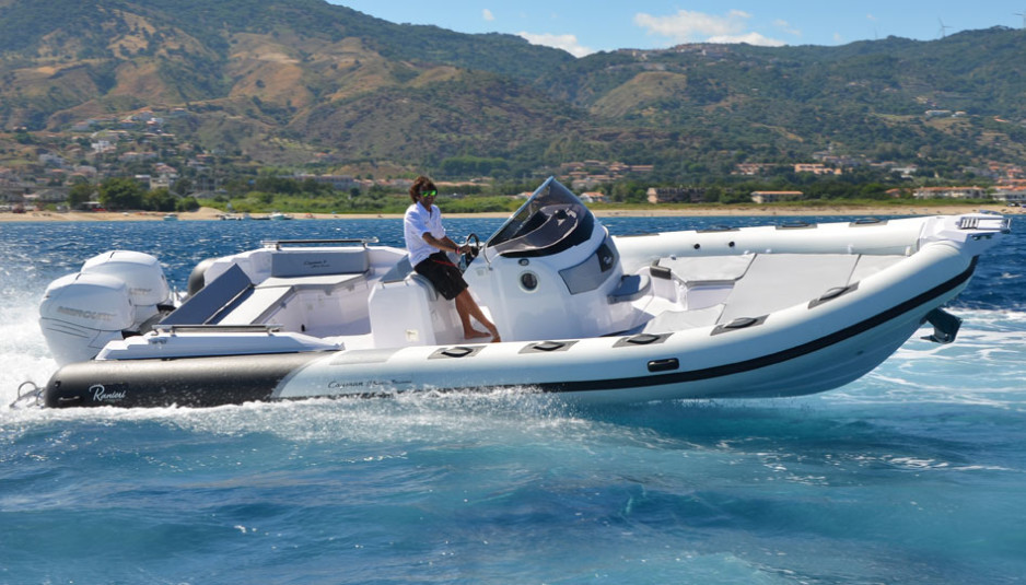 Ranieri International Cayman 31 Sport Touring
