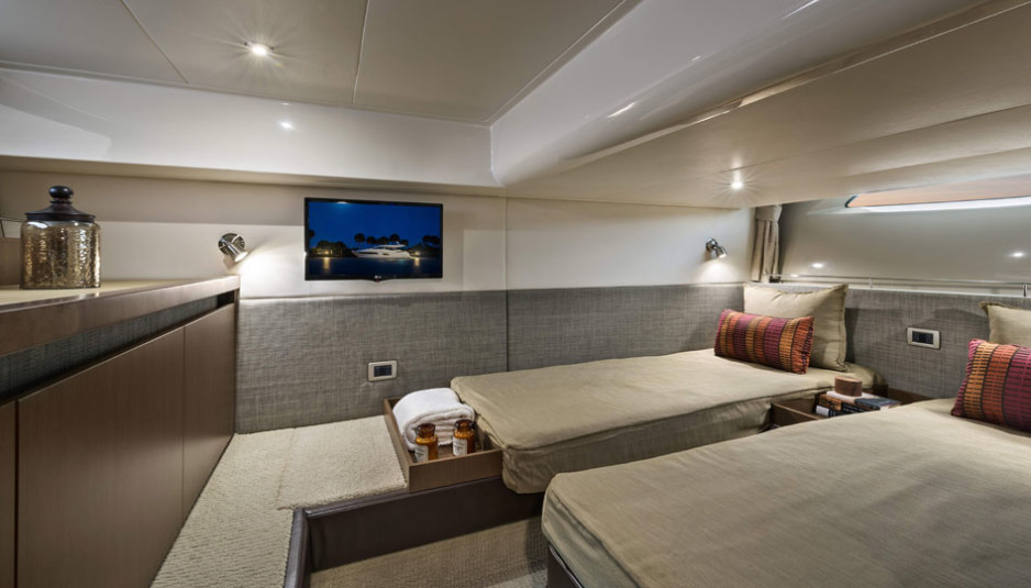 sea-ray-400-sundancer-bedroom