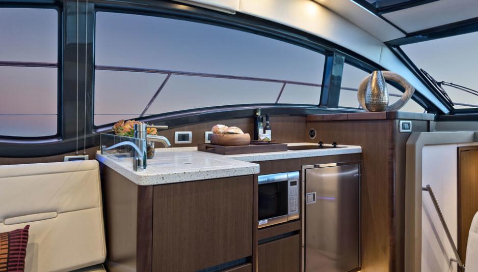 sea-ray-400-sundancer-interiors
