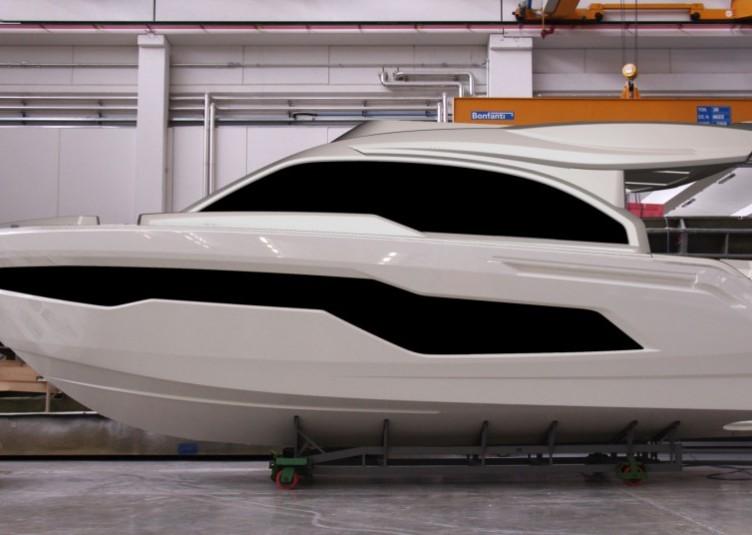 Cranchi-50-Fly-in-costruzione-938x535