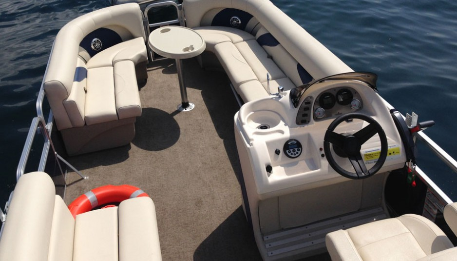 Noleggio-di-Nautica-Bego_Pontoon_3-938x535