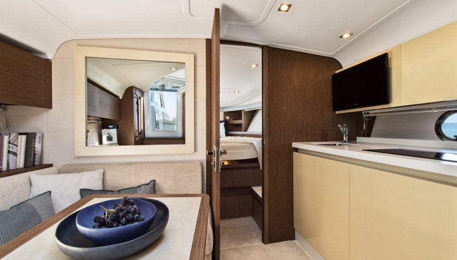 Beneteau-Gran-Turismo-40