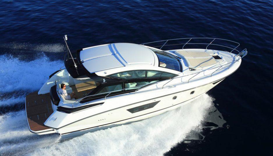 Beneteau-Gran-Turismo-40-deck