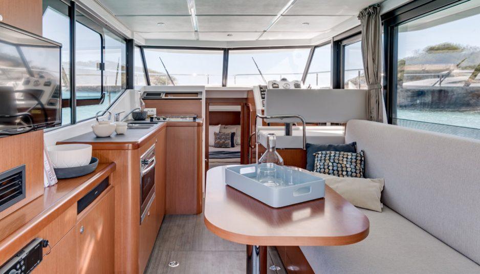 Beneteau-Trawler-30_8-938x535