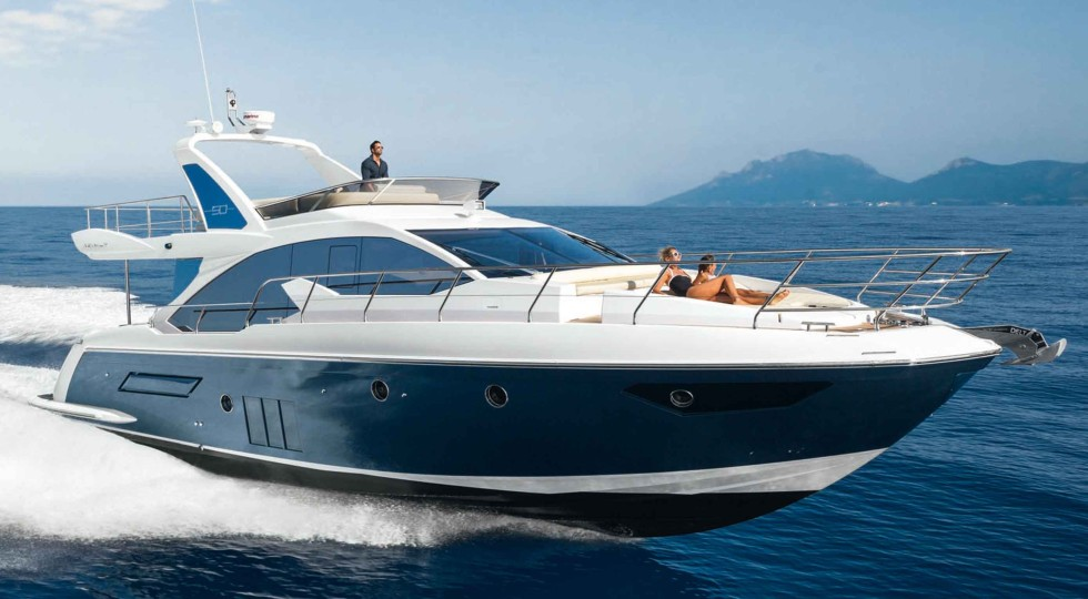 Azimut yachts pushes the throttle with an order book in for Prezzo yacht 50 metri