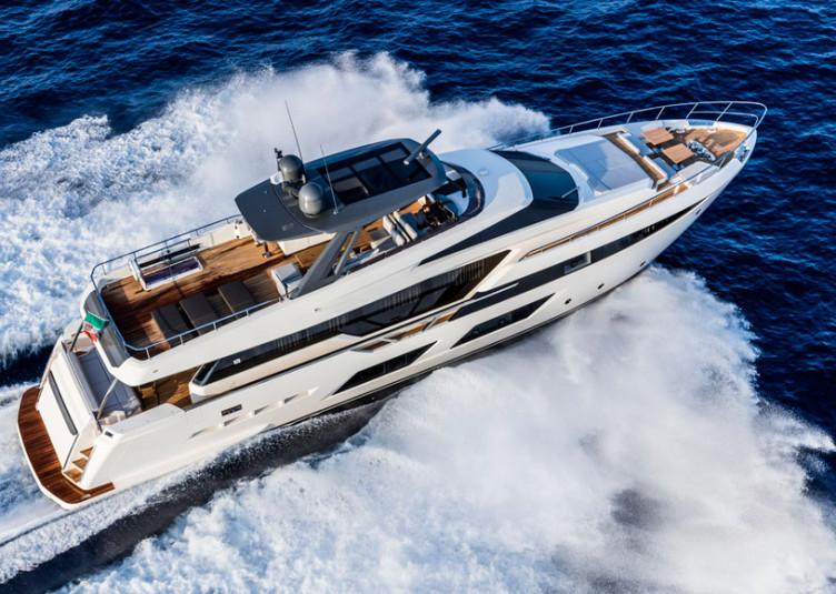 Ferretti-Yachts-920_2