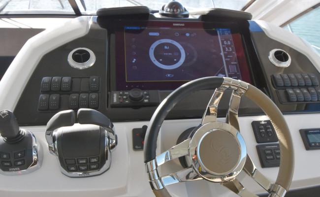 Beneteau-Ship-Control_1